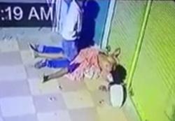 【閲覧注意】世界に衝撃が走る!ホームレス女性の死体とセ○クスする男が撮影されるの画像