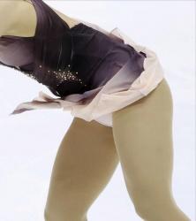 フィギュアNHK杯、坂本花織と樋口新葉のエロ頂上対決の画像