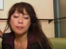 【無修正】ゴージャス素人五十路美熟女フェラからパンツ脱がして戦闘開始 Mature Woman Giving Blowjob Fucked Fingered While Squirting By Young Guy On The xvideosの画像
