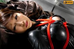 【画像あり】潜入捜査でバレて犯される女捜査官のAVの画像